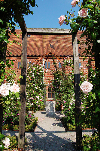 Kloster in Ystad flickr @bjaglin