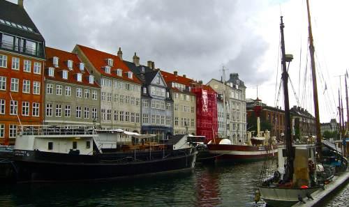 Nyhavn in Kopenhagen mit historischen Schiffen @reiseidylle